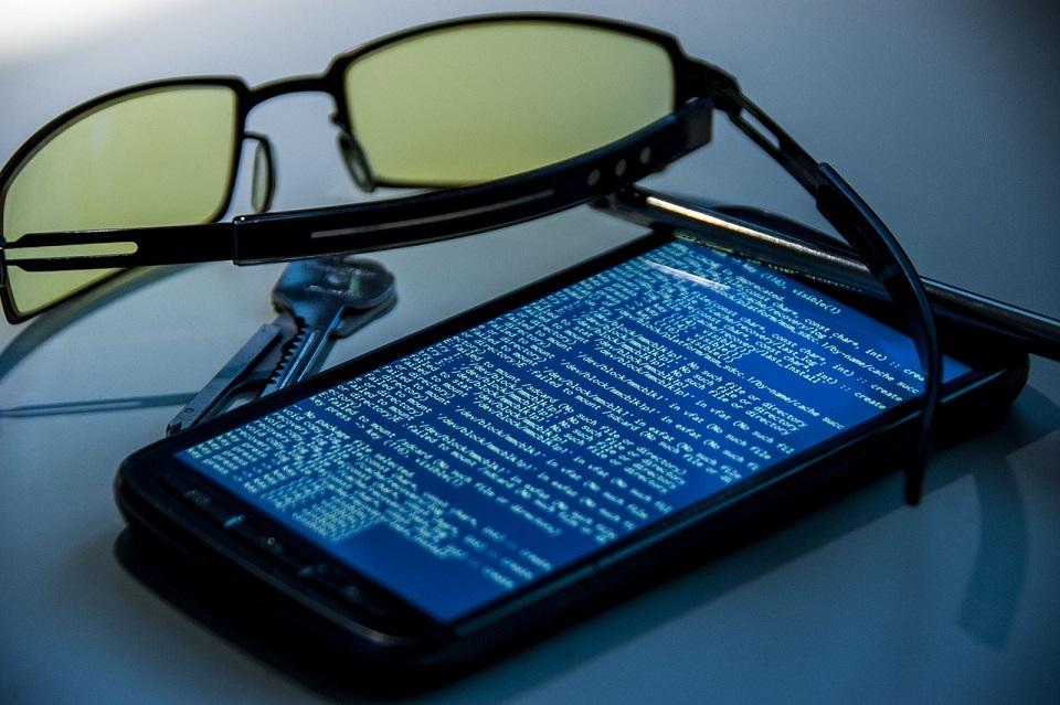 Hacker, occhio al numero di cellulare: gate per accedere a tanti contenuti