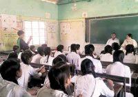 Mestruazioni in classe: insegnante la umilia, 12enne si suicida
