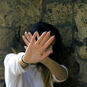 Roma, ragazzo cerca di violentare turista tedesca a Castro Pretorio