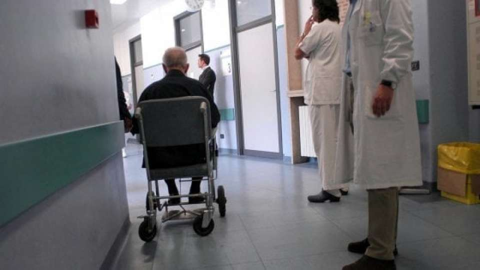 Corruzione a Monza, medici usavano protesi di pessima qualità