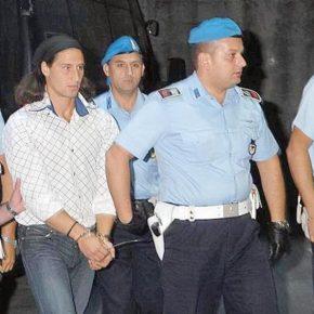 Milano, maniaco dell'ascensore arrestato per molestie su 13enne