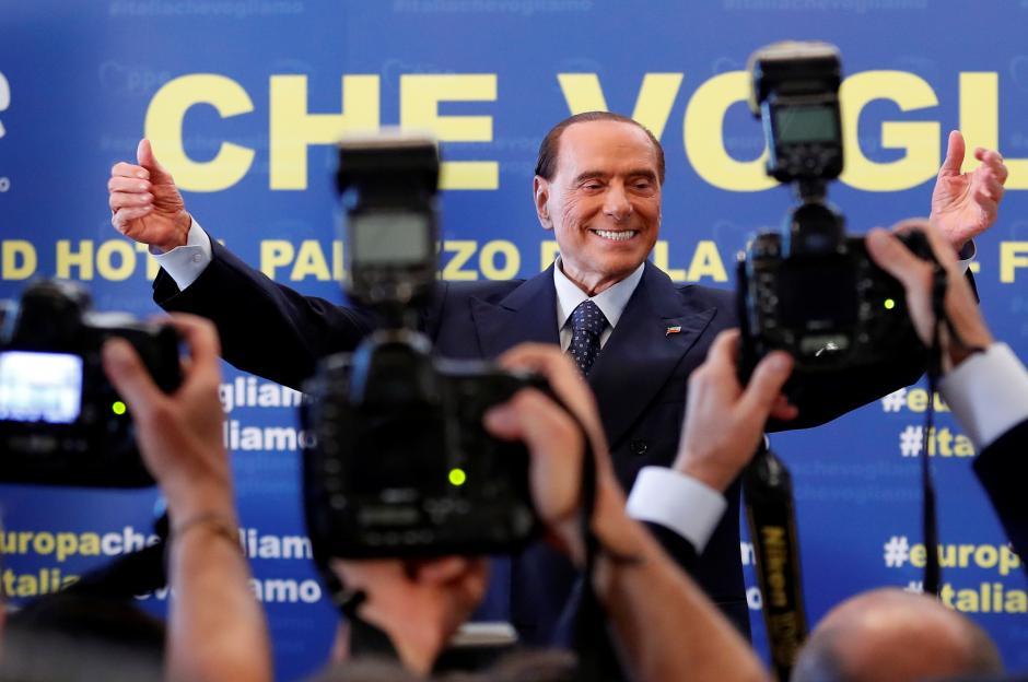 Berlusconi critica Di Maio a Fiuggi: 'Meteorina'