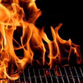 Bimba di due anni arsa sul barbecue, madre accusata di omicidio