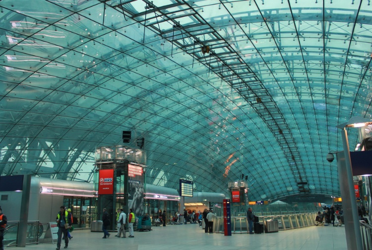 Germania, intossicazione misteriosa all'aeroporto di Francoforte