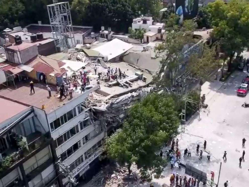Terremoto violentissimo in Messico: scuole e case crollate, persone sotto le macerie