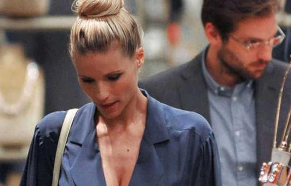 Michelle Hunziker depressa dopo essere entrata in una setta, la confessione al Corriere
