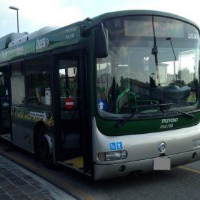 Conducente bus di linea minacciata da passeggero: spray al peperoncino provvidenziale