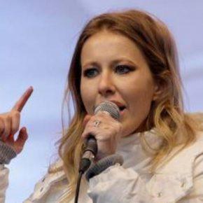 Putin sfidato dalla Paris Hilton russa Ksenia Sobchat