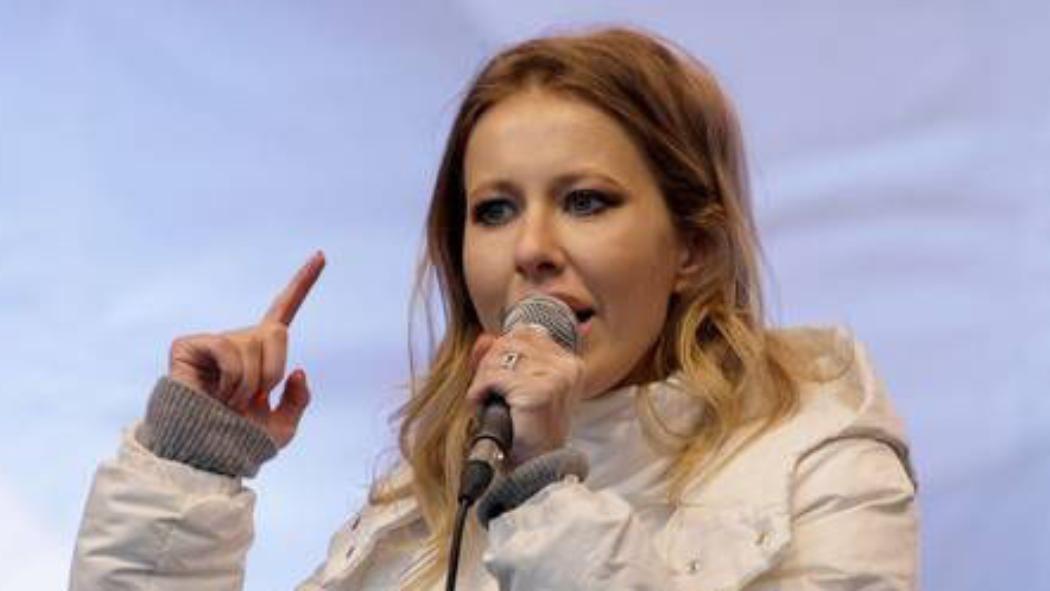 Putin sfidato dalla Paris Hilton russa Ksenia Sobchak