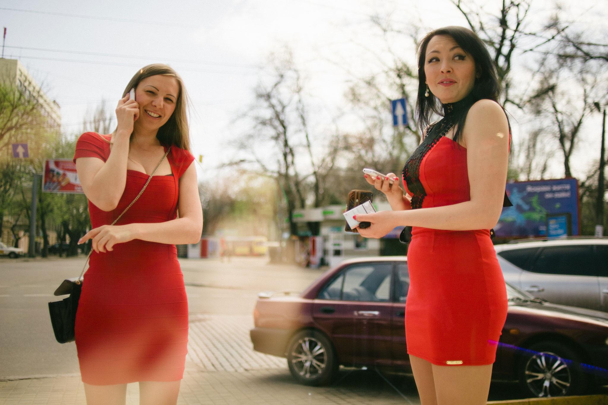 Ucraina, polemiche sull'opuscolo alle studentesse