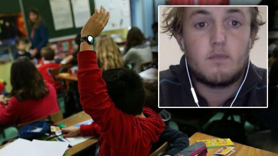 Troppo stress, giovane insegnante lascia il lavoro