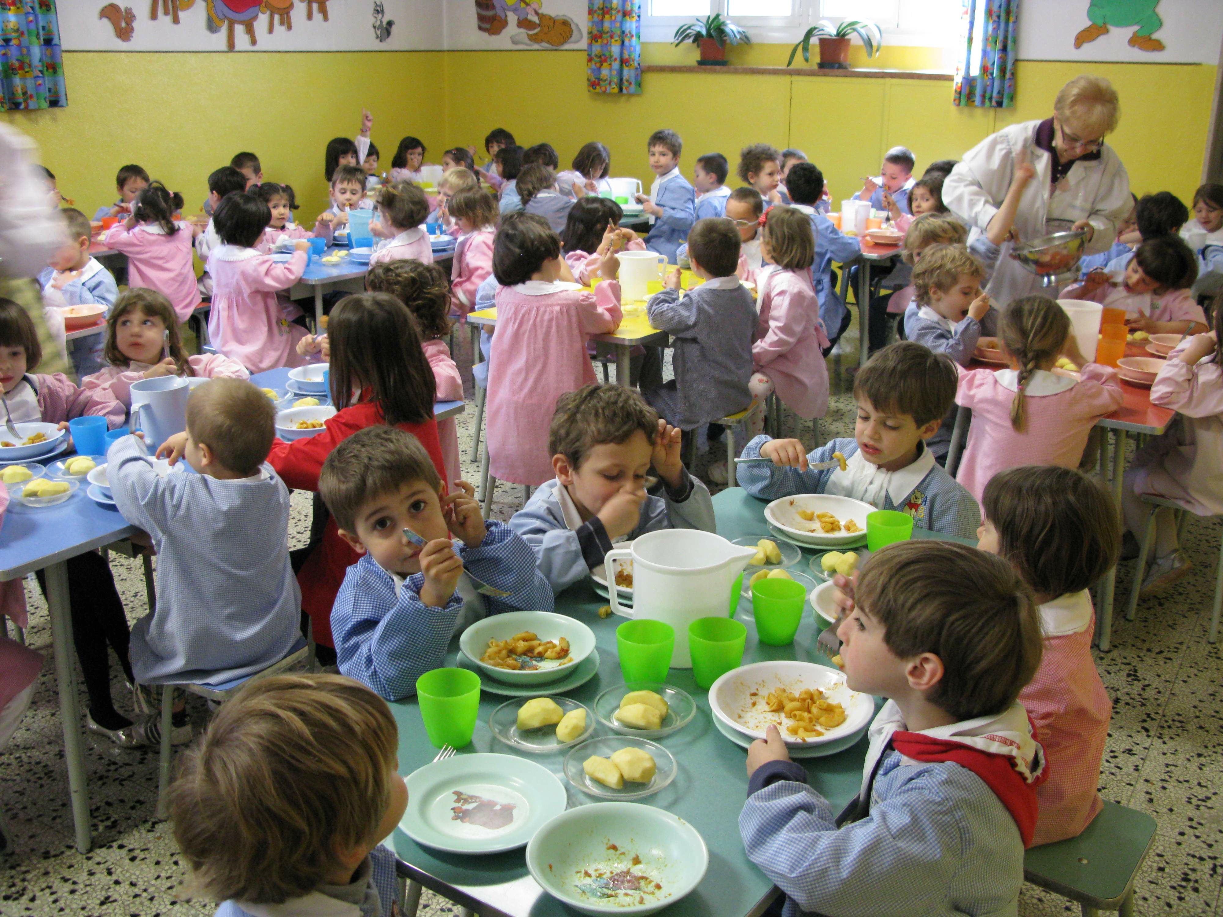 Scuola, pasto 'alternativo' per bimbi che non pagano rate mensa