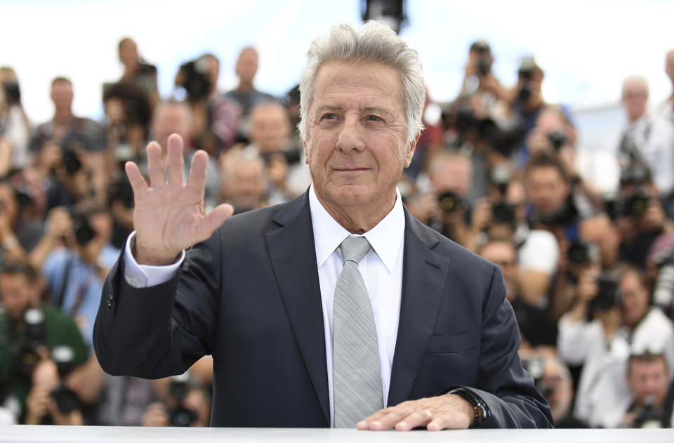 Dustin Hoffman accusato di molestie dalla Hunter