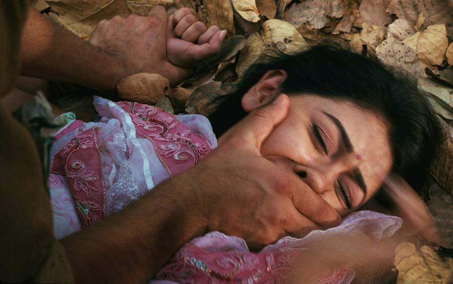 India, cognato vuole violentarla: lei resiste e viene arsa viva