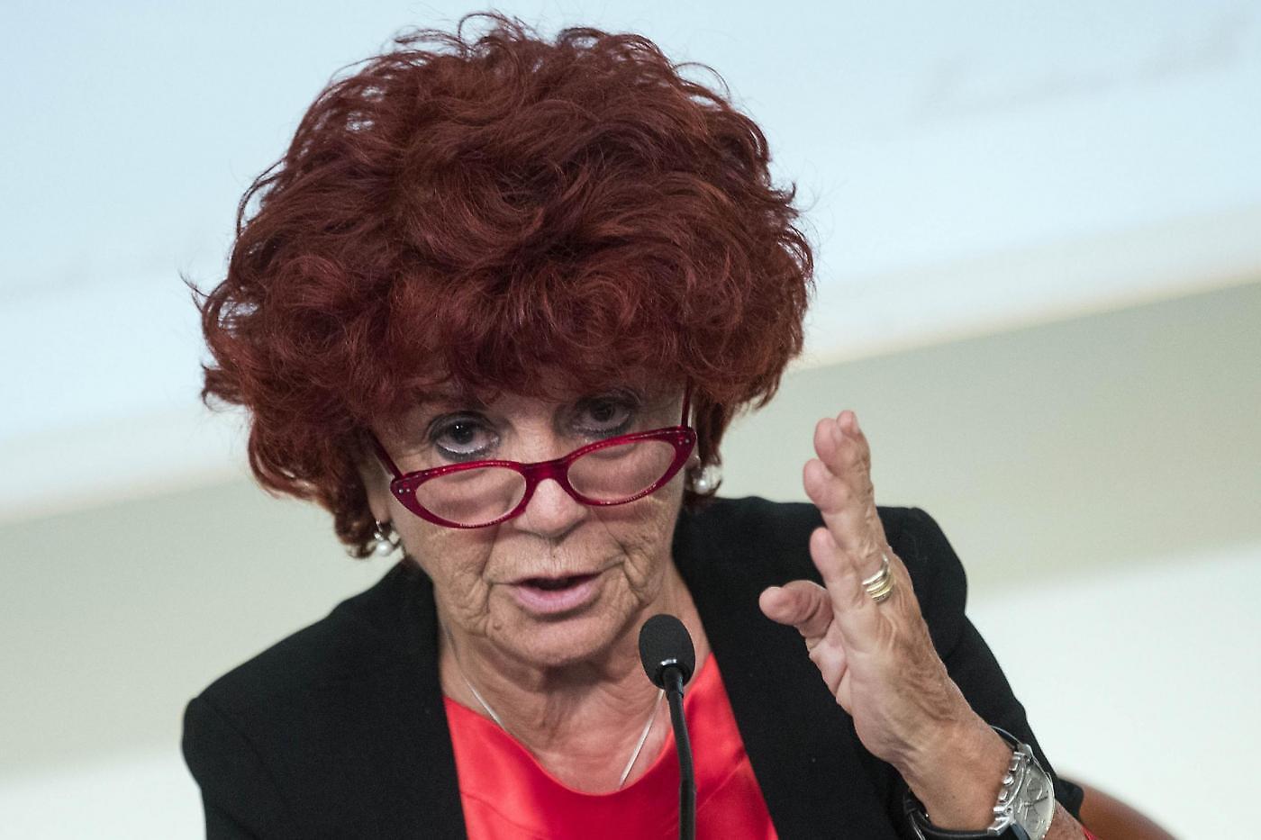 Valeria Fedeli laurea scuola