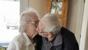 Australia anziani separati