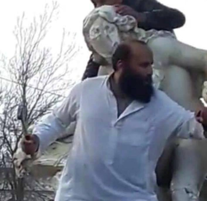Algeria statua rovinata integralista
