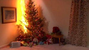 Incendio albero di Natale Lecco