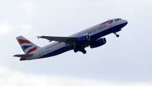 Ubriaco prima del decollo: pilota inglese in manette