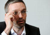 Migranti vanno segregati: annuncio shock del ministro austriaco