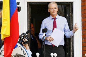UK, Assange sta male: deve curarsi