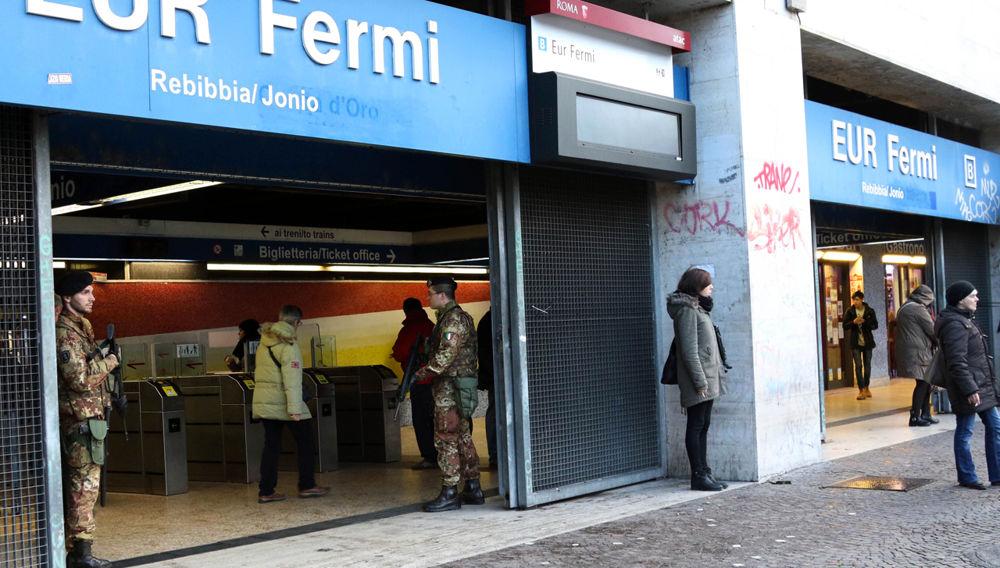 Roma, donna sui binari della stazione Eur Fermi