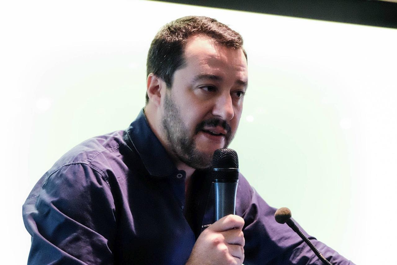 Riapertura delle case chiuse: proposta shock di Salvini