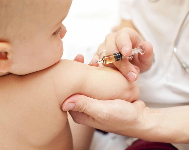 Salerno, vaccino scaduto somministrato a un neonato