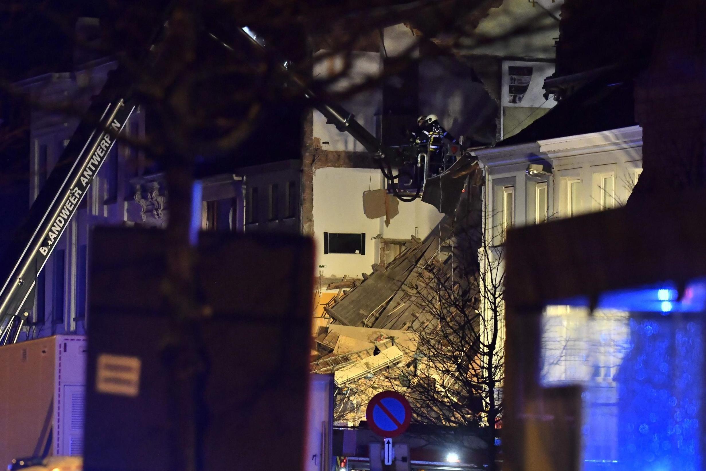 Belgio, esplode palazzo ad Anversa