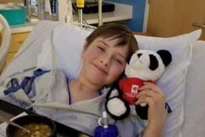 Liam Flanagan ucciso da batterio mangia carne a 8 anni