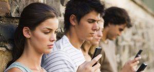 Adolescenti fino a 24 anni, oggi si diventa autonomi tardi