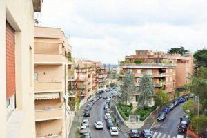 Roma-si-apre-voragine-alla-Balduina