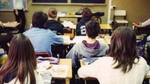 Piacenza-insegnante-malmenata-in-classe