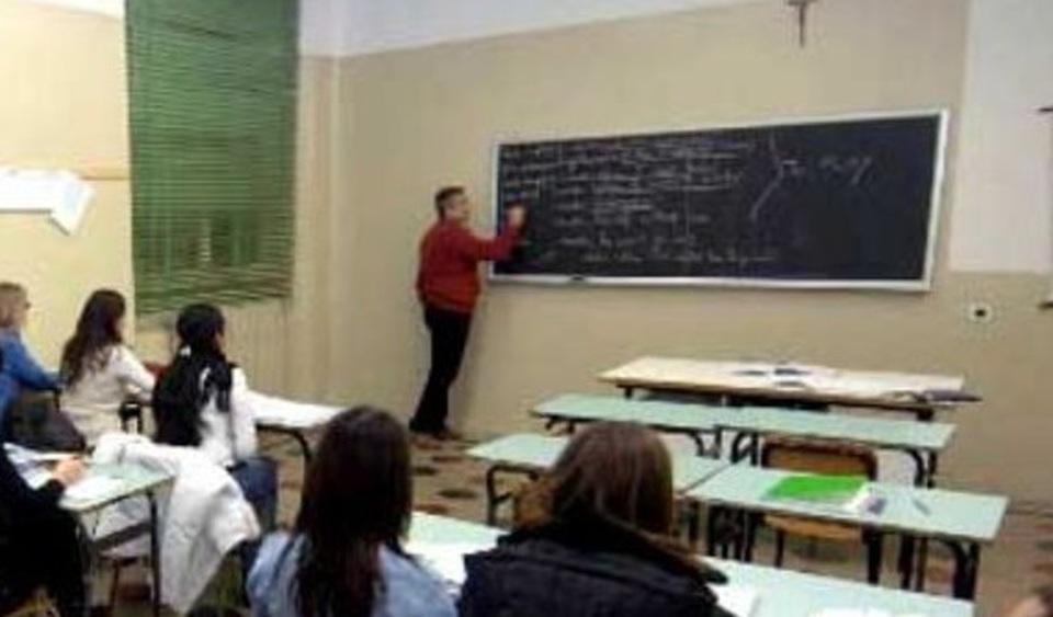 Menaggio-studente-offende-professore
