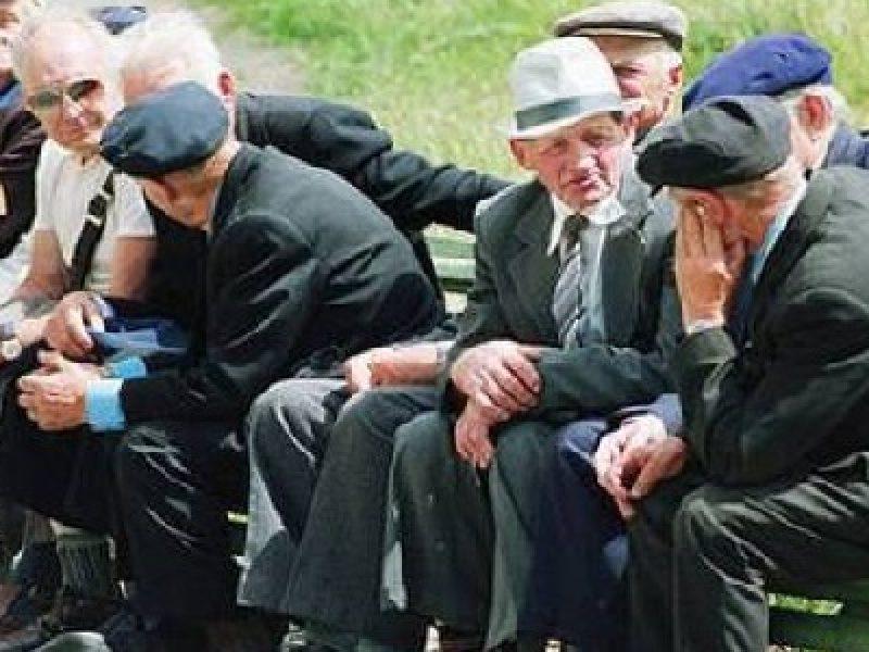 Italia-invecchia-denatalità-prosegue