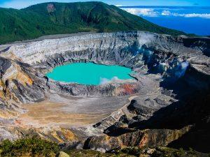 Lago-letale-Poas-Costarica