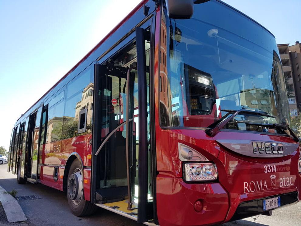 roma-autobus-atac-piazza-risorgimento
