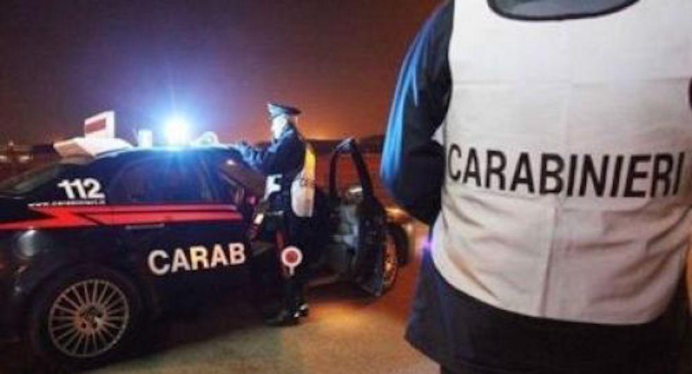latina-carabiniere-spara
