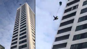 base-jumper-paracadute-stoccolma-illeso