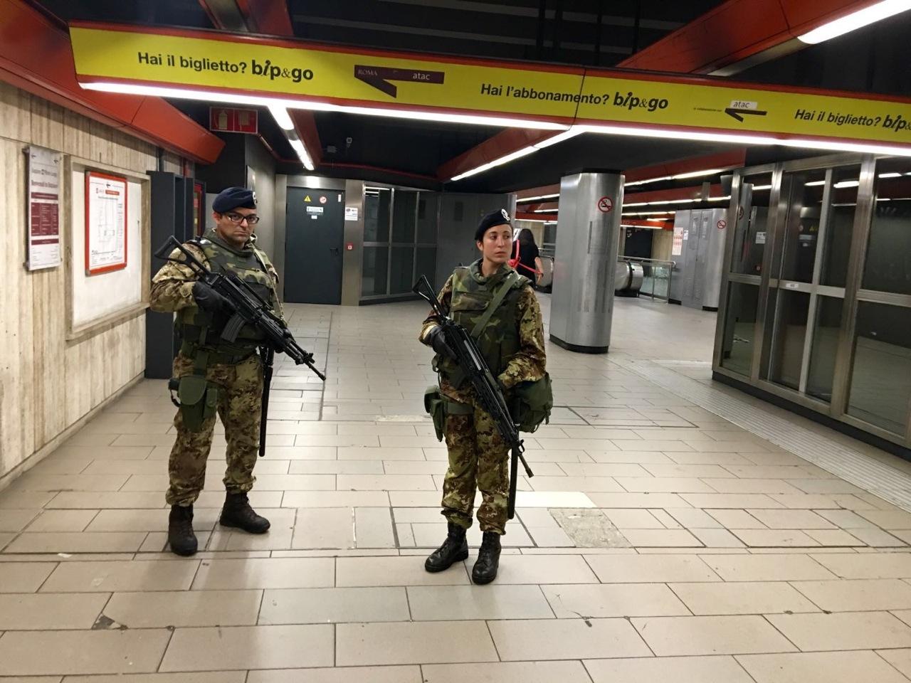 Militare-Roma-suicidio-stazione-Barberini