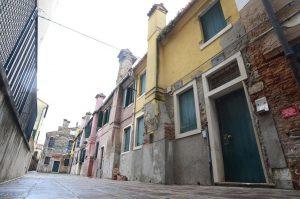 venezia-corpo-mummificato-sestiere-dorsoduro