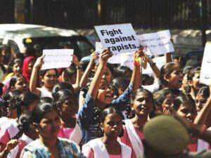 india-stupro-bimba-musulmana