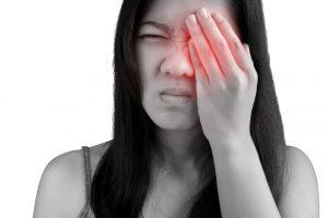Sindrome dell'occhio secco curata con la luce pulsata