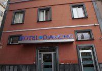Napoli, fuma spinello in gita e cade dalla finestra dell'albergo