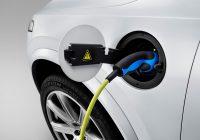 Auto ibride ed elettriche obbligate a fare rumore