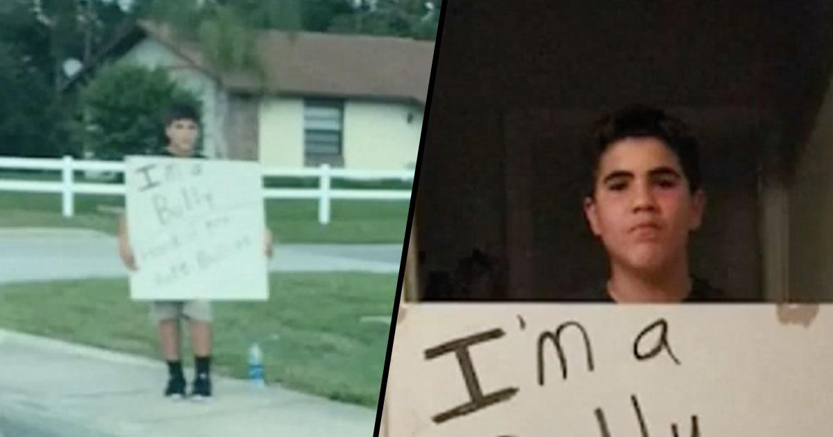 Bullo punito dal padre: col cartello per strada