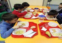 Rho, peli di animali serviti in mensa ai bambini