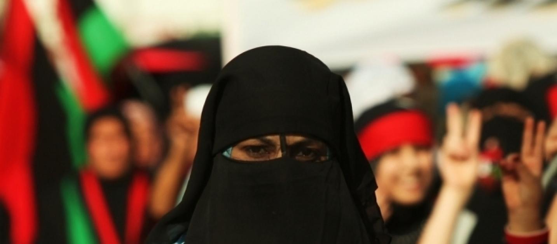 Insegnante col velo islamico non potrà insegnare a Berlino