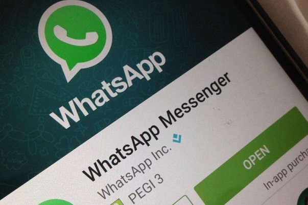 WhatsApp, fake news e spam out con il bollino ai messaggi inoltrati