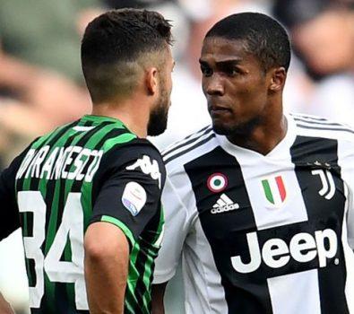 Douglas Costa: cosa rischia il calciatore della Juventus per lo sputo a Di Francesco